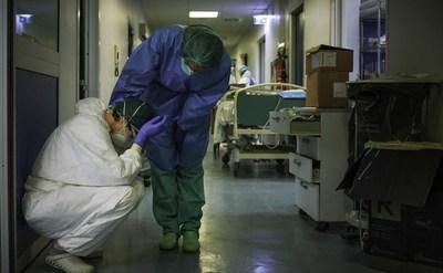 Ya son 52 los enfermeros fallecidas a causa del virus