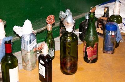 Tacumbú: Agentes Incautan bombas molotov y varios objetos prohibidos en pabellones