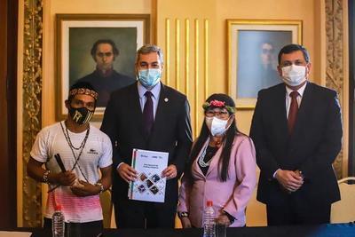 Presentan Plan Nacional de Pueblos Indígenas para su promulgación como política de Estado – Prensa 5