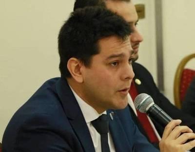 Renunció vice ministro de Empleo, Daniel Sánchez, y asume como jefe de campaña de Daniel Centurión