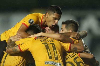 Barcelona gana, de visitante, al Santos
