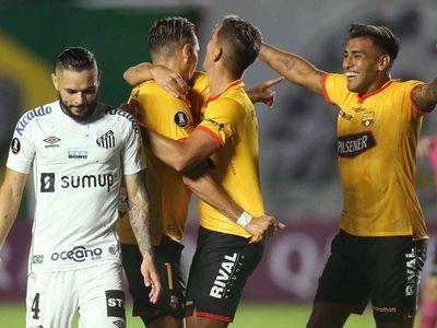 Barcelona sorprende a Santos y se pone al frente del Grupo C