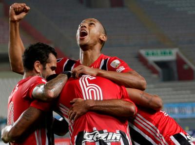 Sao Paulo le propina una paliza a Sporting Cristal