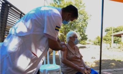 Salud lleva vacunados a casi 20 mil adultos mayores contra el COVID-19