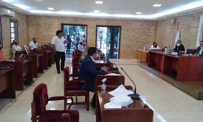 Concejales camanduleros simplifican sesión de la Junta en Ciudad del Este