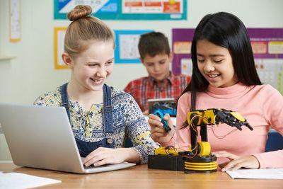 Una generación de niñas preparadas para el mundo de las TIC