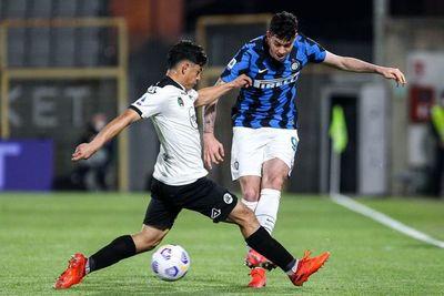Inter empata, pero se aprovecha de la derrota del Milan
