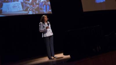 Estela Ruiz Díaz lanza su primer libro
