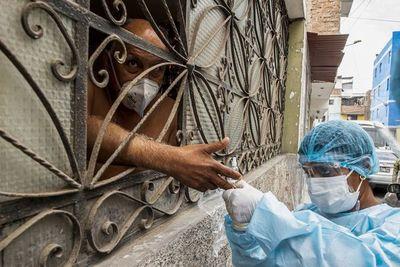 Perú regalará mascarillas en las zonas más vulnerables al contagio de covid
