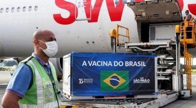 Brasil promete vacunas anti-covid a