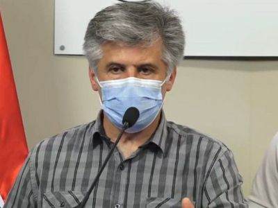 """Ejecutivo busca """"golpear bolsillo"""" de los que incumplen medidas de salud"""