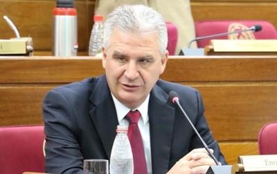 """""""Dios quiera que Abdo termine su mandato, Dios quiera que en Paraguay siga el Estado de Derecho"""", dice Bachetta"""
