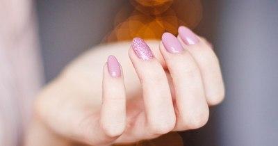 La Nación / ¿Cómo mantener las uñas sanas cuidándolas desde casa?