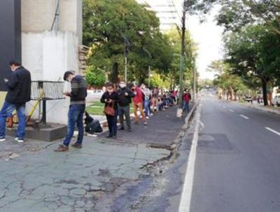Trabajadores suspendidos llega a 25.000 este mes, informó el IPS