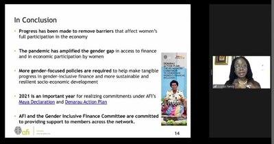La Nación / Coinciden en rol fundamental de mujeres en el crecimiento económico