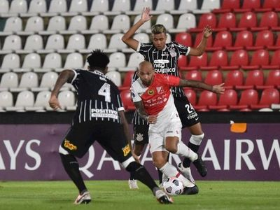 River Plate se planta y empata con Corinthians