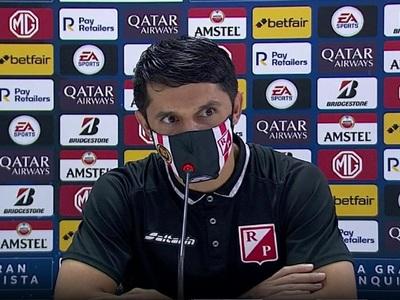Gustavo Giménez en conferencia de prensa
