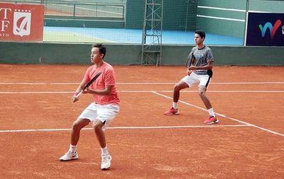 Tres paraguayos en la final de dobles