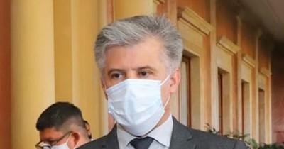 La Nación / Giuzzio descarta medidas estrictas para frenar la propagación del COVID-19
