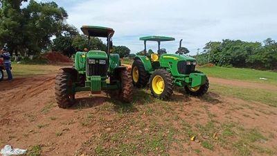 Diputado quiere disponer de tractores ajenos para hacer política