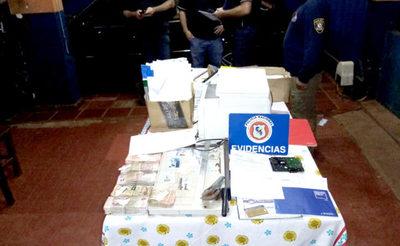 CDE: Desmantelan red de falsificación de todo tipo de documentos