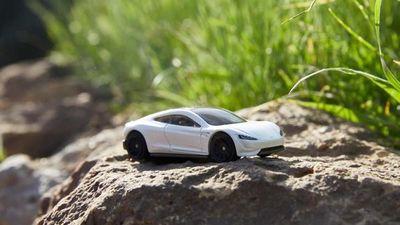 Lanzan autos ecológicos en miniatura para generar conciencia en los niños