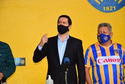 Versus / Daniel Rodríguez asumió la presidencia de Luqueño