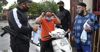 La Nación / Segundo récord de casos en India: 332.730 en un día