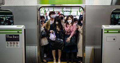 La Nación / ¿Por qué la vacuna anti-COVID-19 avanza en Japón a velocidad de tortuga?