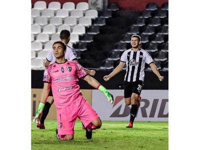 Bogarín se entusiasma con ganar la Copa y el Apertura