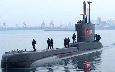 Últimas horas de esperanza para hallar al submarino indonesio