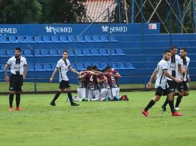 Lluvia de goles en Villa Elisa