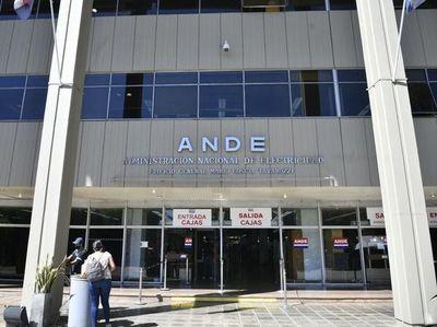Titular de ANDE dice que a su institución le urge el dinero de fondos sociales