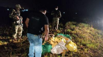 Incautan 216 kilos de marihuana a orillas del río Paraguay en Villeta