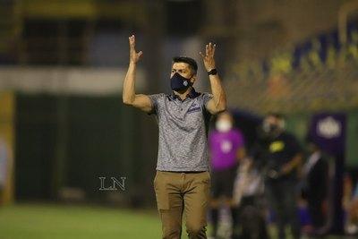 Versus / ¿Gustavo Florentín a un club del exterior para dirigir en Libertadores?