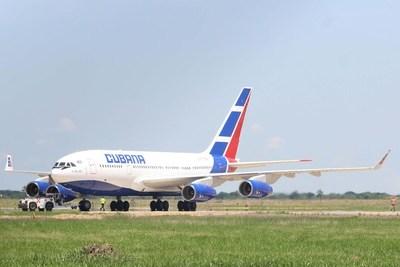 Cubana de Aviación culpa al embargo de EE.UU. por el cierre en varios mercados
