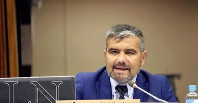 La Nación / Están testeando la actitud de la gente, dice diputado sobre inminente veto al uso de fondos sociales