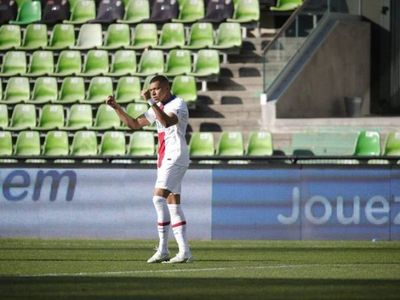 PSG toma la punta en Francia gracias a Mbappé