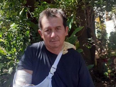Coronel Bogado: Obrero clama asistencia tras accidente