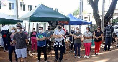 La Nación / Parientes de enfermos del Ineram piden ayuda tras fuerte temporal