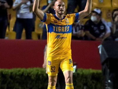 Carlos González marca en el clásico regio para el Tigres