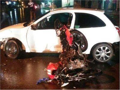 Automovilista mata a motociclista y se da a la fuga en PJC