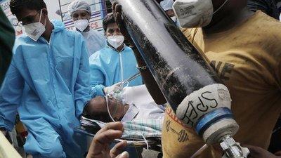 El mundo empieza a movilizarse para ayudar a la India con su catastrófico brote de COVID-19