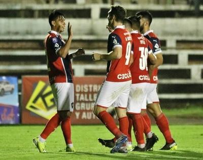 Cerro Porteño derrotó 1-0 a Guaireña en el Parque del Guairá.