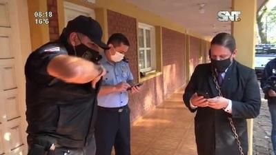 Cortaron las cadenas del abogado que protestaba en el Dpto de Judiciales