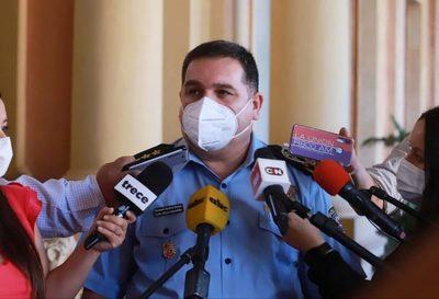 """40 INTUBADOS: Comandante de Policía pide """"a gritos"""" inmunización de agentes de primera línea"""