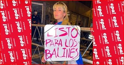 """""""Dicen que le pagamos a la gente para que esté en la carpa"""", dice Jéssica Servín"""