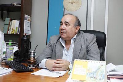 Viceministro anuncia querella contra medio de comunicación por involucrarlo en negociado