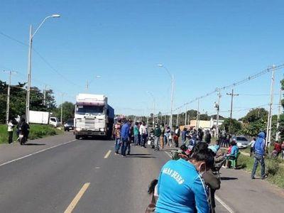 Indígenas del Pueblo Qom realizan cierre intermitente de ruta