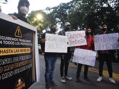 """Distintos sectores protestan contra """"cuarentena selectiva"""" del Gobierno"""